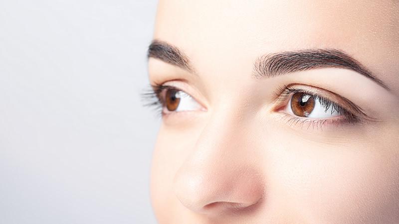 Come rimuovere le occhiaie sotto gli occhi: correttori Snep